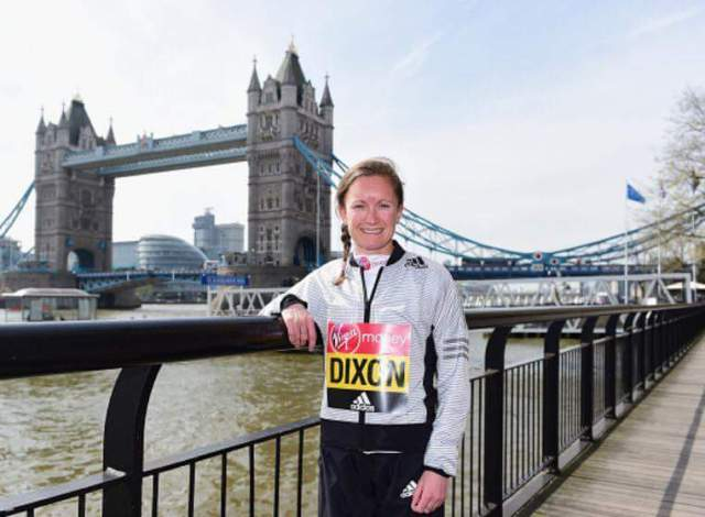 Posing during the VLM photocall